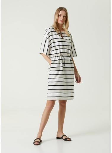 Beymen Collection Beymen Collection  Çizgili Beli Büzgülü Midi Elbise 101593184 Beyaz